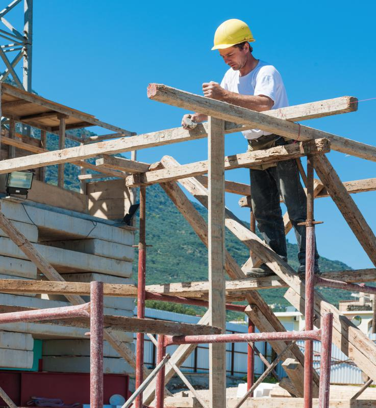Experience working on scaffolds is one step toward becoming a scaffolding supervisor.