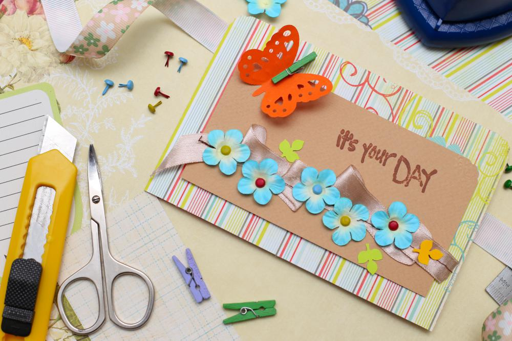 3D decoupage, or paper tole, can be done to make cards for many occasions.