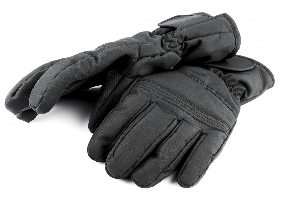 Gloves with water resistant outer shells keep hands dry.