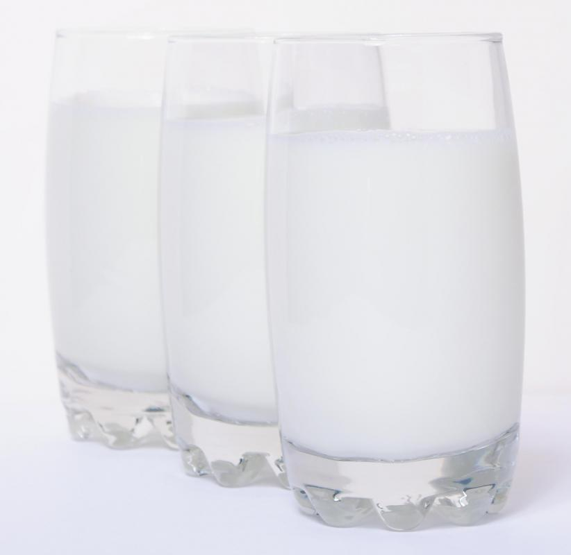 Glasses of skim milk, which can be used to make slimming shakes.