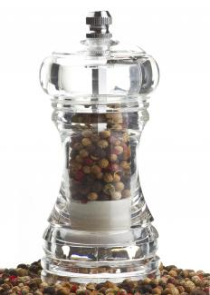 Pepper mills are used to grind pepper buds.