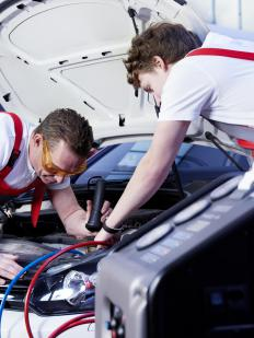 Auto mechanic training programs offer courses in air conditioning repair.