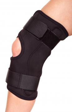 A knee brace may help treat discomfort associated with chondrocalcinosis.