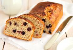A fruit-filled quick bread is a breakfast option for vegans.