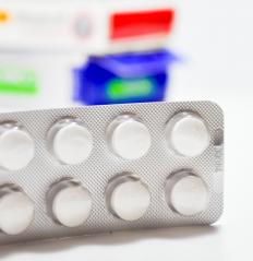 A doctor may prescribe antibiotics and a bandage contact to prevent or treat eye infections.