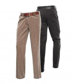 Pants with a natural waist fasten at the smallest part of the waistline.
