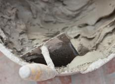 Mortar is the ideal bonding agent for outdoor concrete projects.