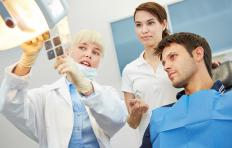Radiography courses which focus on oral anatomy may be best for students who hope to work with a dentist.