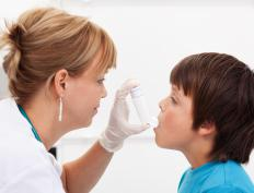 A pediatric pulmonologist is a medical doctor who specializes in treating lung disorders, such as astham, in children.