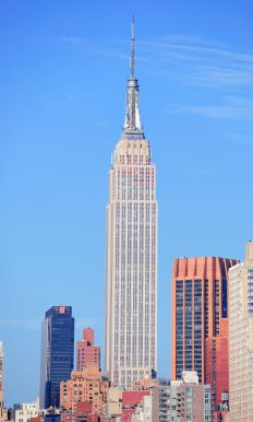 The Empire State Building weighs approximately 336,000 Mg.