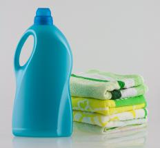 Clothes should be washed without fabric softener before using hemming tape.