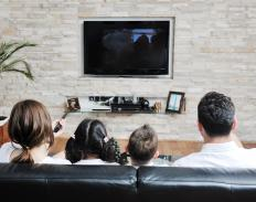 Watching movies together in a group can help people overcome their night fears.
