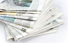 Most newspapers are published in broadsheet form.