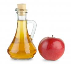 Apple cider vinegar is commonly used as an ingredient in vinegar douches.