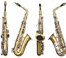 Alto saxes are the most commonly played type of saxophone.
