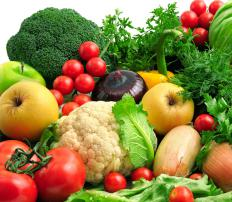 A raw food diet should include a range of nutritious, non-starchy vegetables.