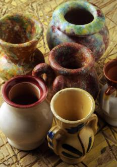Earthenware clay is best for everyday objects.