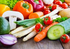 A variety of bright vegetables can be used when making a vegetable platter.