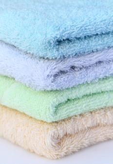 Towels and washcloths may be hemmed using interlock stitching.