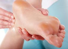 A proper diagnosis by a medical doctor is often needed to treat heel pain.