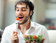 Nutritionists advise that men on an anti-estrogen diet eat organic vegetables and fruit grown without pesticides.