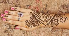 There are numerous designs of mehndi, which is a practice that uses henna to create temporary body art.