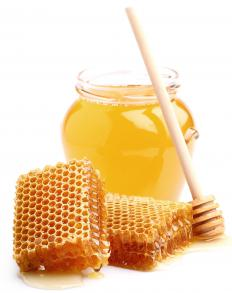 Honey can be made into sweets to take the place of sugar- or corn syrup-made candies.