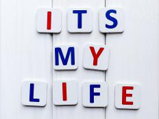 """Its my life"" is written incorrectly - there should be an apostrophe after the t for the phrase to be short for ""It is my life."""