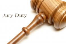People who participate in online jury duty are often paid for their trouble.