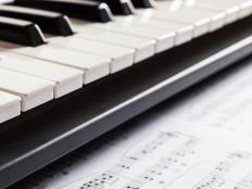 Electronic keyboards are a good gift idea for children who enjoy music.