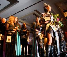Many people are attracted to the events, such as Klingon beauty pageants, that are held by Trekkie clubs.