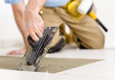 Sanded grout is recommended for use with ceramic tile floors.