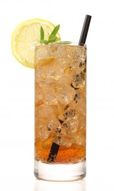 Iced tea is a popular picnic drink.