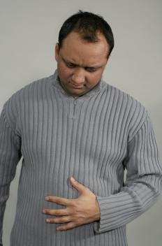 People with acalculous cholecystitis often experience abdominal discomfort.