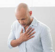 Symptoms of subcutaneous emphysema may include chest pain.