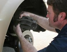 Many factors can be examined when choosing a brake pad material.
