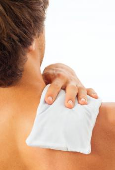 Icing a shoulder before applying a bandage may help relieve soreness and pain.