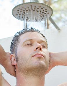 Practicing good hygiene may help prevent the spread of herpes gladiatorum.