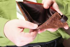 Money clips can be an alternative to carrying a regular wallet.