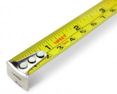 Measuring tape showing both U.S. dimensions (inches) and metric dimensions (centimeters).