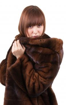 Furriers should be trained to choose the best fur for coats.