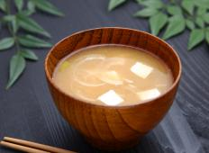 Enoki mushrooms add flavoring to miso soup.