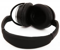 Noise cancellation headphones.