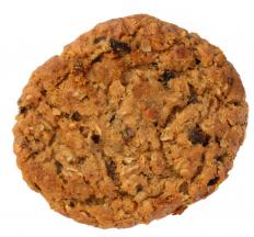 Oatmeal raisin cookie made with rolled oats.