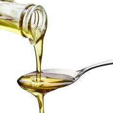 Castor oil can help improve acne and hydrate skin.