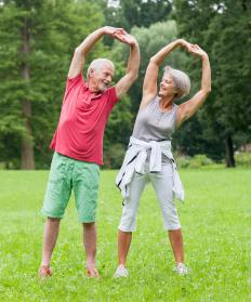 Gentle exercises may help treat injured hip bones.