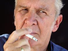 Male smokers are more likely to develop genetic problems in their sperm.
