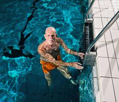 Performing aerobic exercises, such as swimming, may help improve memory.