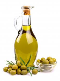 A small amount of olive oil can be used as a setting lotion to add shine to curls.