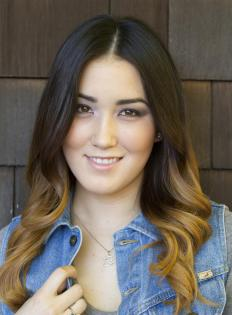 Ombre hair is a two-tone coloring pattern.